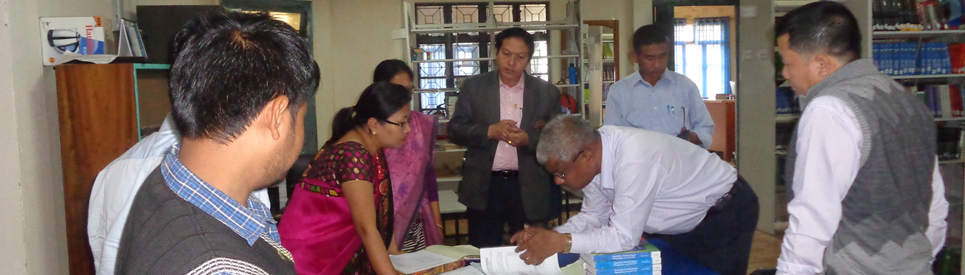 Inspecting MIT Library by Prof. Yashwant V. Joshi, Audit Performance-cum-Financial Auditor, AICTE(PCF-Auditor, AICTE)